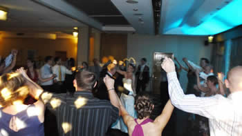 Wedding couple dancing at Marriott victoria and albert hotel